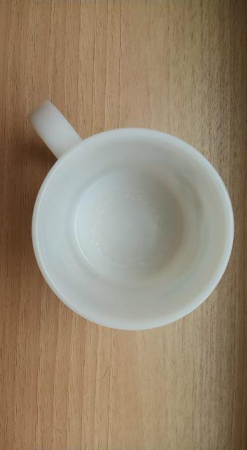 プラスチックのコップの水垢をとる前
