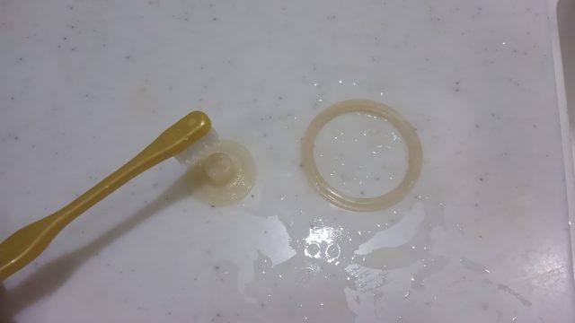 プラスチックの臭いを取る洗い方のパッキン部分