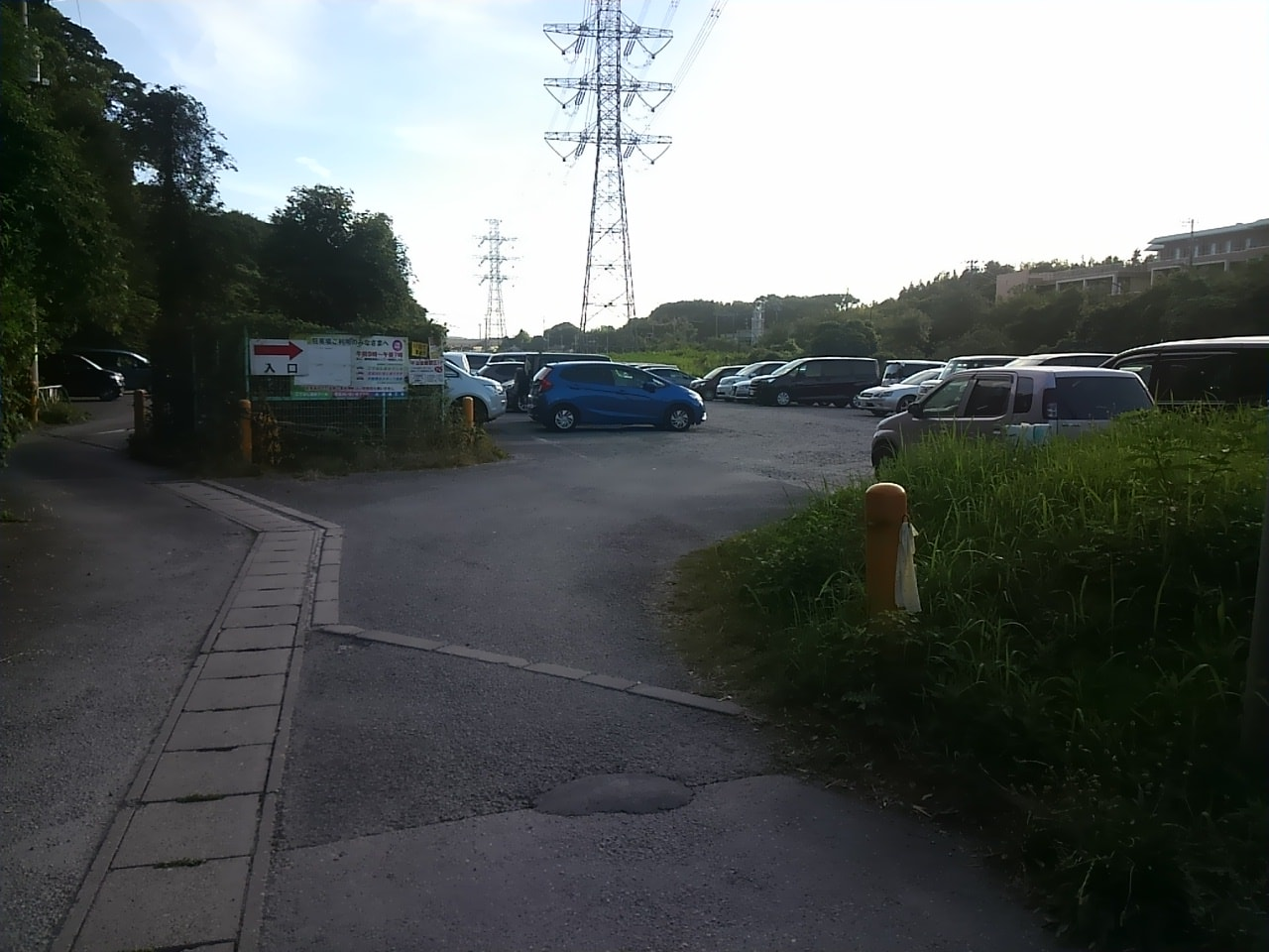 こてはしプール臨時駐車場