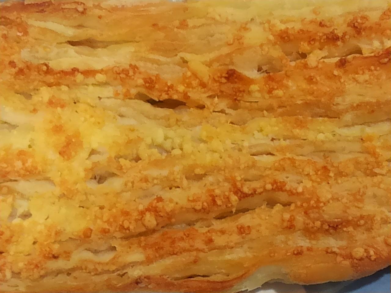ローソンのもっちり食感チーズパンガーリック風味の感想
